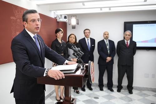 Mientras el equipo económico del Gobernador anunció que trabaja en un plan de desarrollo económico para generar crecimiento e inversión, al Instituto de Estadísticas se le recortará el presupuesto en un 50%.