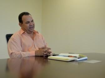 Jorge Cruz Fuentes, director Oficina de Relaciones Públicas de Hogar Crea. Foto por Laura Moscoso