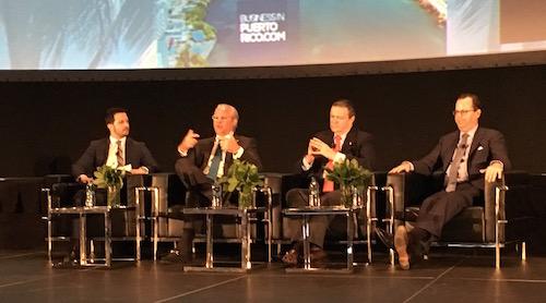 Panel con Alberto Bacó, Richard Carrión y Nicholas Prouty, moderado por Rafael Lama de El Nuevo Día.