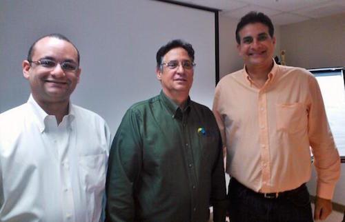 El senador Ramón Luis Nieves, Manuel Mata, presidente de AES y Eduardo Bhatia, presidente del Senado de Puerto Rico