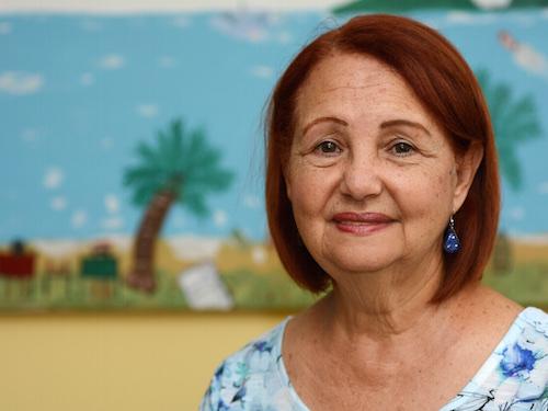María Feliciano, paciente diabética, ha enfrentado barreras para conseguir la dosis de su medicamento.